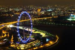 Ландшафт залива Марины Сингапура в ноче освещает от skypark Стоковые Фотографии RF