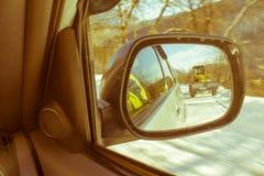 Ландшафт зимы, машина чистки снега Машина затяжелителя колеса, u Стоковое Изображение