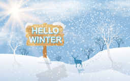 Ландшафт зимы равнин с деревьями и оленей на предпосылке солнца, с зимой текста здравствуйте!, Vector иллюстрация бесплатная иллюстрация