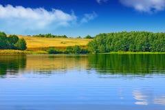 Ландшафт красивого озера Стоковое Фото