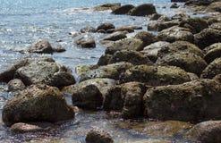Ландшафт моря Вечер на камне Стоковое фото RF