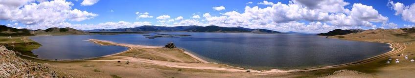 Ландшафт на белом озере, Монголии Стоковые Фотографии RF