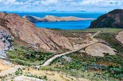 Ландшафт на острове Солнця на озере Titicaca bolivians стоковые фотографии rf
