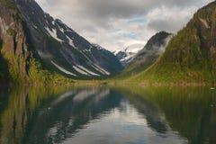 Ландшафт на фьордах руки Трейси в Аляске Соединенных Штатах Стоковое Изображение RF