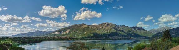 Ландшафт озера & горы Стоковое Изображение RF