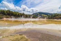 Ландшафт озера горячей воды Стоковые Изображения RF