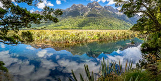 Ландшафт озера зеркал Стоковое фото RF