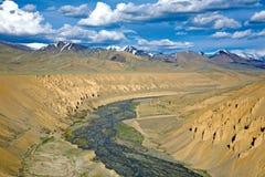 Ландшафт около угрызения на шоссе Leh-Manali, Ladakh, Джамму и Кашмир, Индии Стоковая Фотография