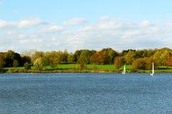 Ландшафт осени на озере Стоковое Фото