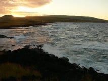 Ландшафт острова пасхи на заходе солнца Стоковые Фото