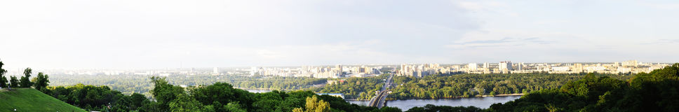 Ландшафт от моста на зеленом парке Стоковое Изображение