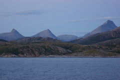 Ландшафт побережья Норвегии взглядом 4 ночи Стоковое Фото