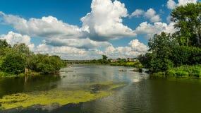 Ландшафт полета с рекой стоковое изображение rf