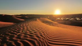 Ландшафт пустыни Сахары, чудесные дюны рано утром сток-видео