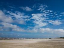 Ландшафт пляжа в течение дня стоковая фотография rf