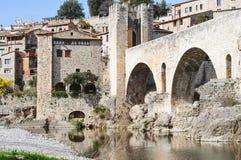 Ландшафт древнего города Besalú в Испании, Стоковая Фотография