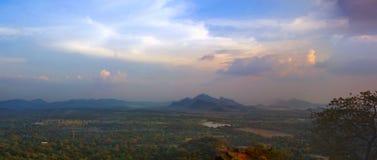 Ландшафт, река, панорама леса от горы льва в Sigiriya, Шри-Ланке Стоковая Фотография