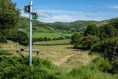 Ландшафт сельской местности Уэльса идя Стоковая Фотография