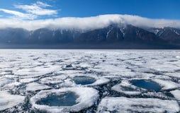 Ландшафт с кругами льда и воды Стоковое Изображение