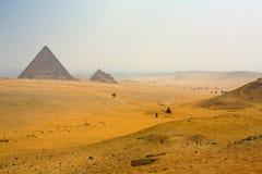Ландшафт с пирамидами стоковое изображение rf