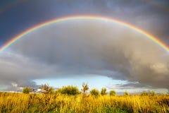 Ландшафт с радугой Стоковое Изображение
