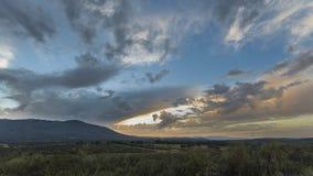 Ландшафт с солнечными произношениями по буквам Стоковая Фотография