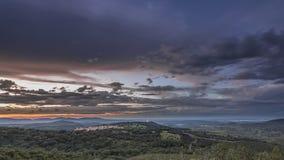 Ландшафт с солнечными произношениями по буквам Стоковое фото RF