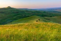 Ландшафт с холмами различного освещения Стоковые Изображения