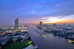 Ландшафт Таиланда: Chao Река Phraya на заходе солнца Стоковое Изображение RF