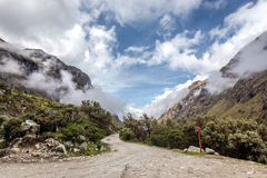 Ландшафт трека Santa Cruz, Blanca кордильер, Перу Южной Америки Стоковое Фото
