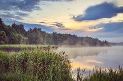 Ландшафт утра на озере Стоковые Изображения RF