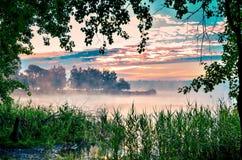 Ландшафт утра на озере Стоковое Изображение RF
