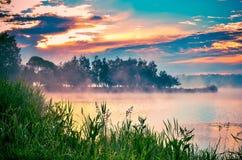 Ландшафт утра на озере Стоковые Фото