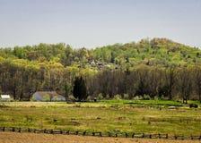 Ландшафт Gettysburg с маленькой круглой вершиной в предпосылке Стоковое Изображение RF