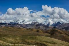 Ландшафт Himalyan, Тибет стоковые изображения rf