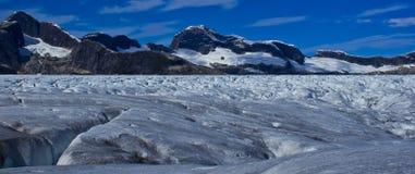 Ландшафт Mendenhall замерли ледником, который Стоковая Фотография RF
