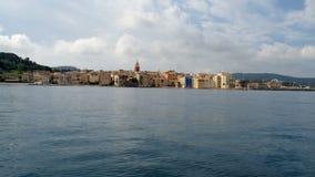 Ландшафт St Tropez от moving шлюпки акции видеоматериалы