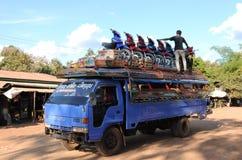 Лаос: Минибус-переход для товаров и людей стоковые фото