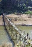 Лаос, Luang Prabang, бамбуковый мост Стоковые Фотографии RF