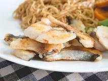 Лапша с рыбами и морковью brocoli Стоковые Изображения