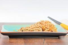 Лапши Китая с овощами и мясом Стоковые Фотографии RF