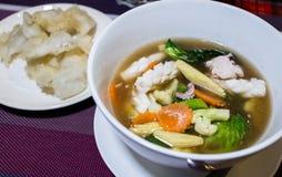 Лапши покрытые с морепродуктами, Таиландом Стоковое фото RF