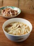 Лапши потехи Lai китайца в cheong подола и высушенном супе креветок Стоковое Изображение RF