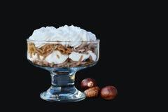 Лапши сладостного каштана Vermicelles с взбитой сливк на черноте Стоковая Фотография