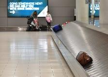 Ларнака, Кипр - 31-ое октября 2018 Заявка багажа в международном аэропорте Ларнаки стоковые фотографии rf