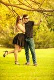 Ласковые пары в парке Стоковые Изображения RF