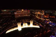 ЛАС-ВЕГАС, НЕВАДА, США - 22-ОЕ АПРЕЛЯ 2015: Музыкальные фонтаны на гостинице & казино Bellagio 22-ого апреля 2015 в Лас-Вегас стоковые изображения rf