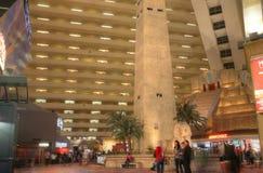 ЛАС-ВЕГАС - ОКОЛО 2014: Казино гостиницы Лас-Вегас Луксора дальше ОКОЛО 20 Стоковое Фото