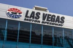 Лас-Вегас - около июль 2017: Скоростная дорога мотора Лас-Вегас LVMS хозяйничает события NASCAR и NHRA включая Pennzoil 400 IV стоковые изображения rf