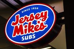 Лас-Вегас - около июль 2017: ` S Джерси Майк subs ресторан фаст-фуда Подводные лодки ` s Джерси Майк под цепь i сандвича Стоковое Изображение RF
